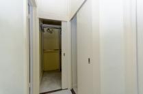 1bathroomb1