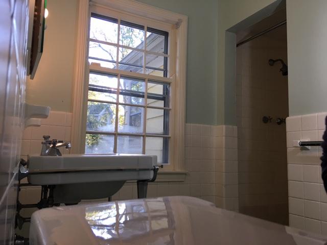 Master Bath (3)